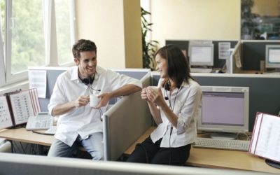 """How To Make Sure Your """"Work Spouse"""" Relationship Actually Works"""