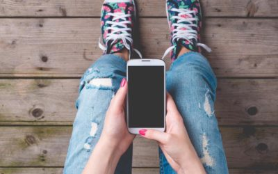 Just One Hour a Day on Social Media Makes Teens Miserable