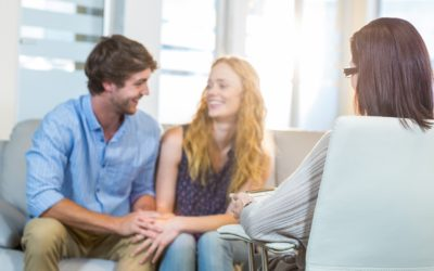 Everyone Should Try Couples Therapy – Here's Why